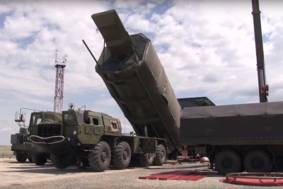 Russian military shows new hypersonic nuclear missile