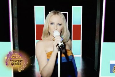 Kylie Minogue performs 'Say Something' from new album 'Disco'