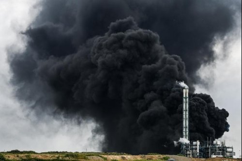 At least 1 dead, several missing after Germany chemical plant explodes