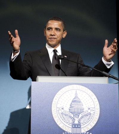 Obama fetes McCain, Powell