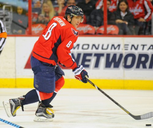 Alex Ovechkin, streaking Washington Capitals visit Philadelphia Flyers