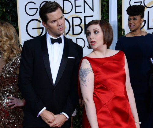 Lena Dunham hospitalized for a ruptured ovarian cyst