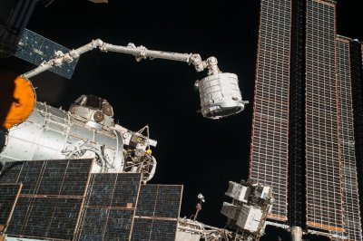 Space station battery replacements to begin New Year's Eve