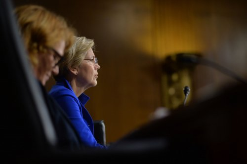Elizabeth Warren is calling for an investigation of the Federal Reserve