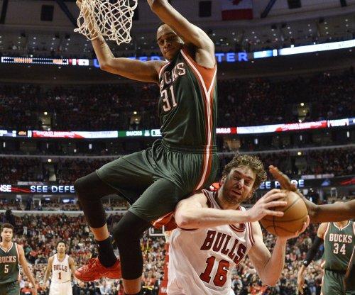 Milwaukee Bucks stay alive vs. Chicago Bulls