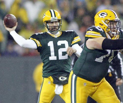 Prayer answered: Packers stun Lions at gun
