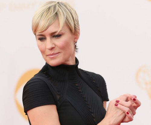 Robin Wright demanded equal pay on 'House of Cards'