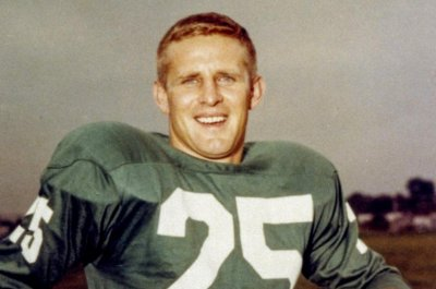 Former Eagles WR and Hall of Famer Tommy McDonald dies