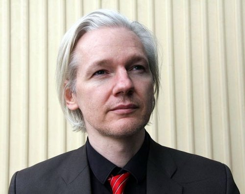 Britain gets arrest warrant for Assange
