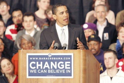 Obama's war stance woos some Republicans