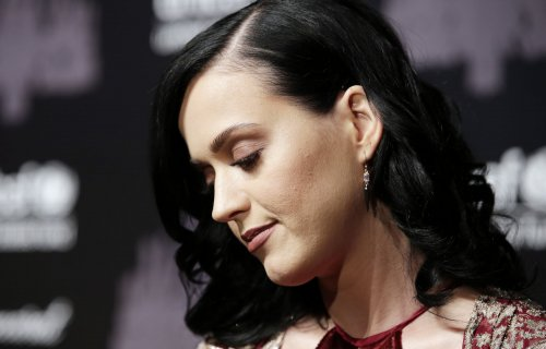 Katy Perry, Taylor Swift to appear on Grammy nominations special