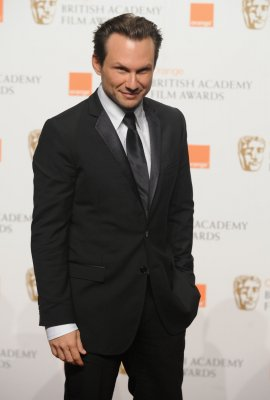 Christian Slater to star in USA Network pilot 'Mr. Robot'