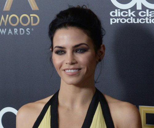 Jenna Dewan previews Lucy Lane role on 'Supergirl'