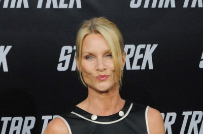 Nicollette Sheridan files for divorce after quiet wedding