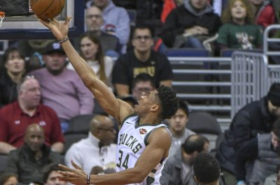 Bucks' Antetokounmpo could play vs. Spurs
