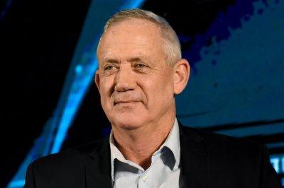 Tibi calls on Gantz to commit to Arab section development in Israel