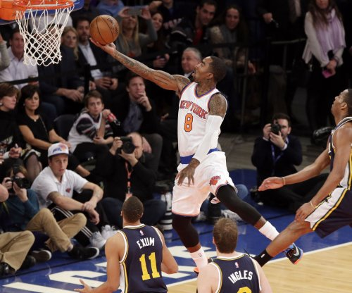 Cleveland Cavaliers get Smith, Shumpert from New York Knicks in 3-way swap