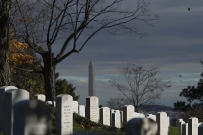 At Arlington Cemetery, Obama says vets are 'ready to serve' private sector