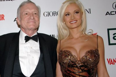 Holly Madison addresses Kendra Wilkinson's NSFW Twitter rant