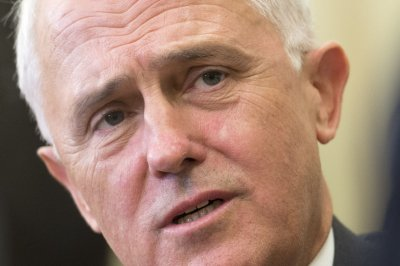 Australia faces possible hung Parliament after tight voting