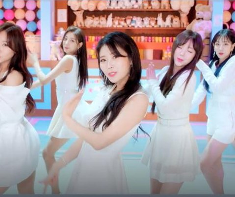 Lovelyz teases 'You on That Day' music video