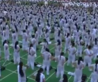 Yoga class draws record-breaking 105,000 students
