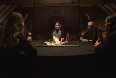 Seance live streamed from British manor breaks Guinness record