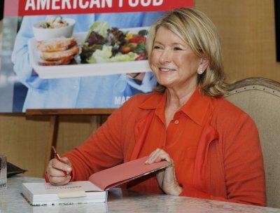 Martha Stewart tries online dating