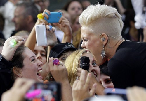 P!nk's 'Just Give Me a Reason' tops U.S. record chart