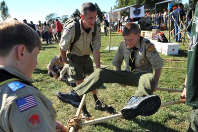 Boy Scouts of America ends ban on gay leadership