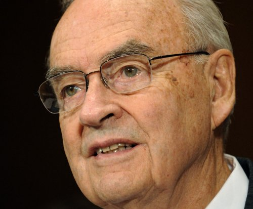 Former Pennsylvania Senator Harris Wofford to marry a man