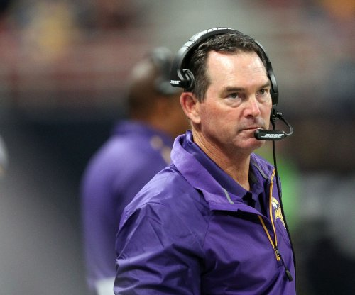 Minnesota Vikings' Mike Zimmer praises dominating D