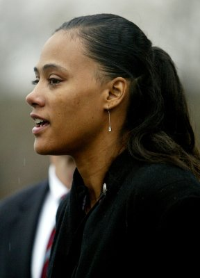 Marion Jones's teammates to keep medals