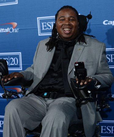 Eric LeGrand retires from Tampa Bay