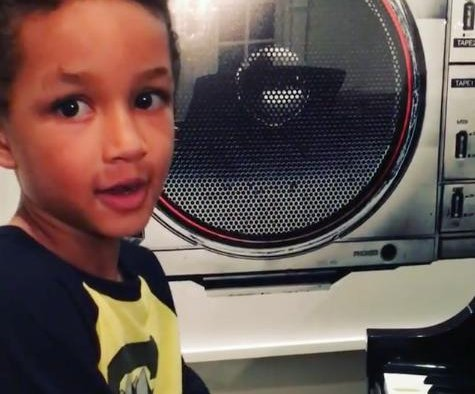 Alicia Keys and Swizz Beatz's son Egypt performs his own song