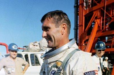 Apollo 12 astronaut Richard Gordon dies at 88