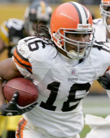Agent: Cribbs wants trade from Cleveland