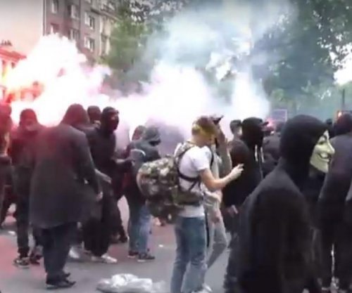 French government survives no-confidence vote as protesters clash with police over labor reform