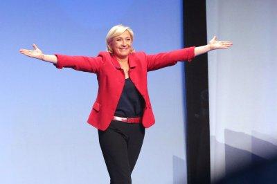Marine Le Pen on immigration: 'Give us France back'