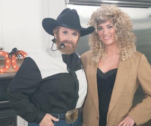 Trisha Yearwood dresses up as husband Garth Brooks for 'Southern Kitchen'