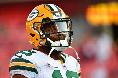 Green Bay Packers WR Randall Cobb spotted in walking boot