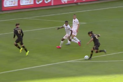 LAFC's Carlos Vela nets chip to beat Inter Miami in franchise opener