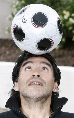 Maradona grabs Group B attention