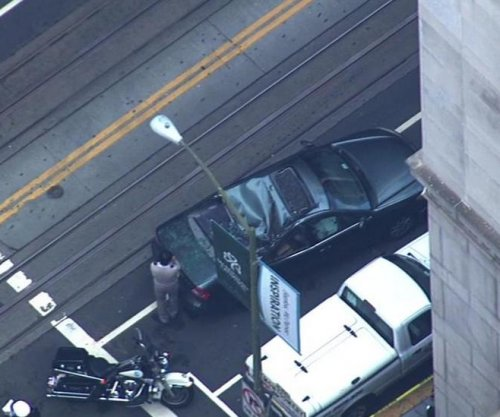 Window washer survives high-rise fall in San Francisco