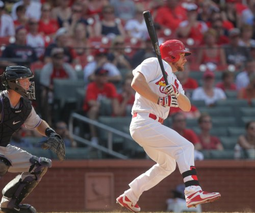 Brandon Moss' pinch single pushes St. Louis Cardinals past Colorado Rockies