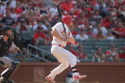 Brandon Moss' pinch single pushes St. Louis Cardinals past Colorado Rockies