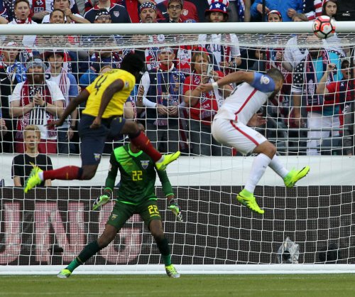 Clint Dempsey sends United States into Copa semifinals