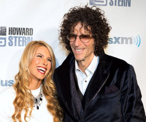 Howard Stern sued for airing private IRS conversation
