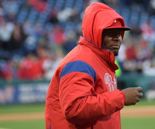 Phillies' Neris suspended for intentionally throwing at Dodgers' Freese