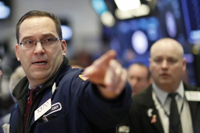 U.S. added 67,000 jobs in November, ADP-Moody's says